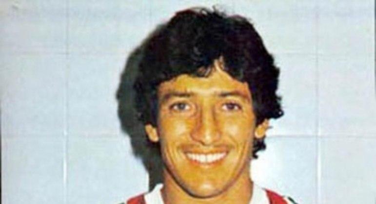 Romerito - Considerado um dos maiores jogadores paraguaios de todos os tempos, o meia viveu seu melhor momento no Fluminense. Autor do gol do título do Campeonato Brasileiro em 1984, ele foi eleito o melhor jogador sul-americano em 1985. Foi bicampeão carioca.