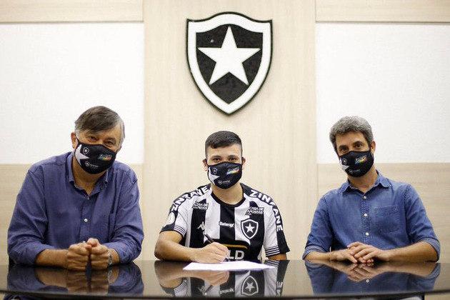 Ronald: Em 12 jogos pelo Botafogo no Estadual, ele soma 83,3% de aproveitamento nos passes tentados, uma assistência, seis desarmes e uma interceptação.