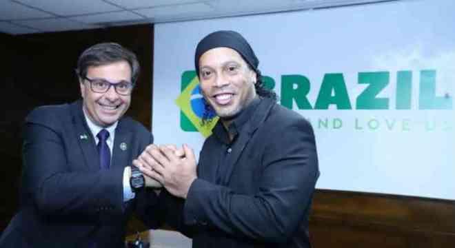 Embaixador do turismo brasileiro. Governo respeita autonomia do Paraguai