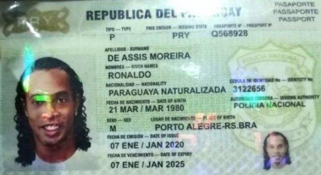 Passaporte com a 'nacionalidade paraguaia'. Falso. Razão da prisão