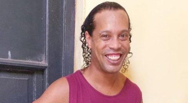 Ronaldinho está preso no Paraguai há um mês