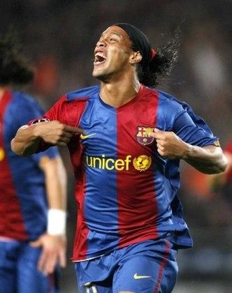 Ronaldinho Gaúcho, meia; Edmilson, meia; Sylvinho, lateral; Belletti, lateral - Barcelona - 2006