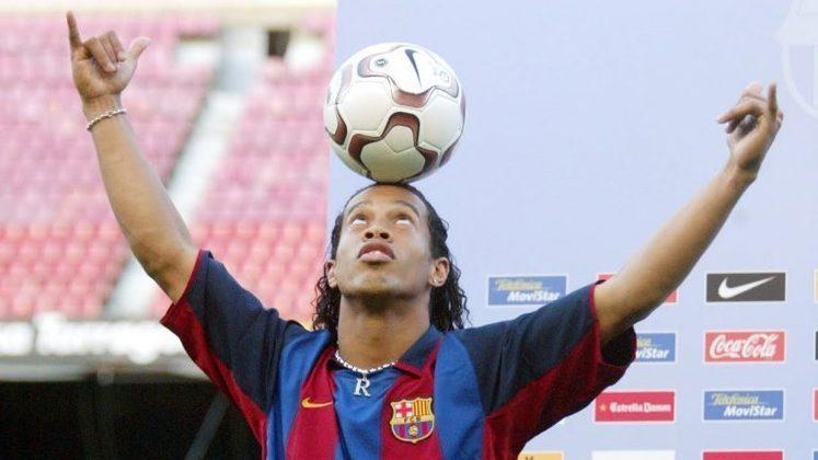 Ronaldinho Gaúcho teve seu auge na temporada 2004-05, onde o craque se consagrou realizando jogadas fantásticas, conquistando o Campeonato Espanhol e a Supercopa da Espanha, além do título de Melhor Jogador do Mundo.