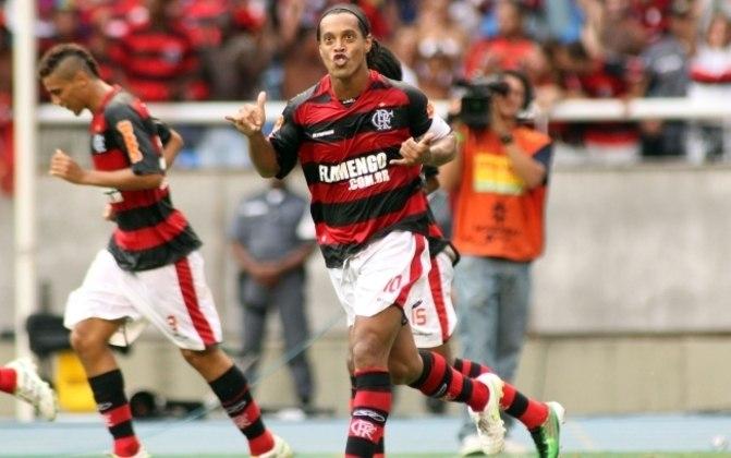 Ronaldinho no Nilton Santos - O maior público no