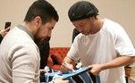 O fã saiu com a camisa do Grêmio autografada e um chuteira