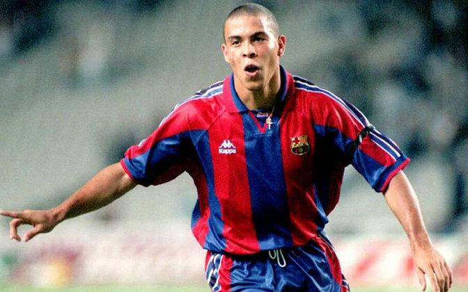 Ronaldo - Do PSV para o Barcelona (1996) - Valor: €15 milhões - Grande destaque do PSV em 1995/96 e melhor do mundo do mesmo ano, Ronaldo chegou ao Barcelona como uma grande promessa e que elevaria o patamar da equipe catalã