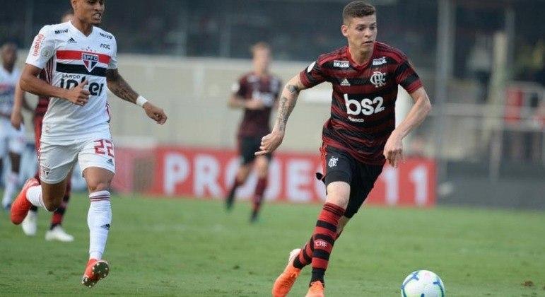 Ronaldo - Volante - 24 anos - Contrato até 30/06/2021