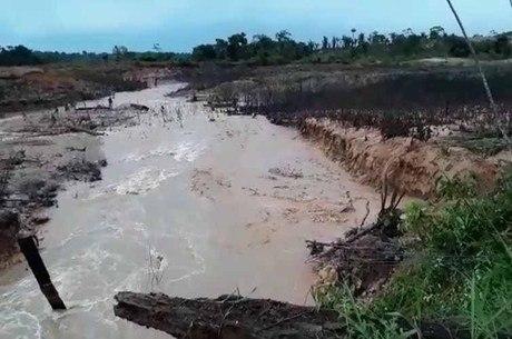 Barragem segurava argila e areia e não oferece riscos