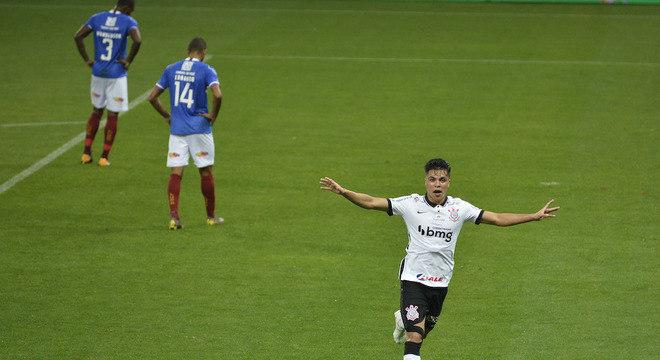 Roni estreou no profissional e já marcou na vitória do Corinthians sobre Bahia