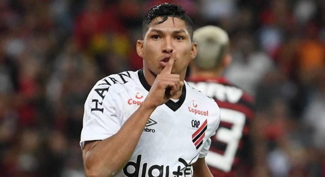Rony não esconde sua preferência pelo Corinthians. Mas aceita o Palmeiras