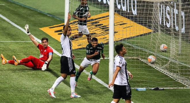 Rony, autor do segundo gol, foi um dos destaques da vitória do Palmeiras