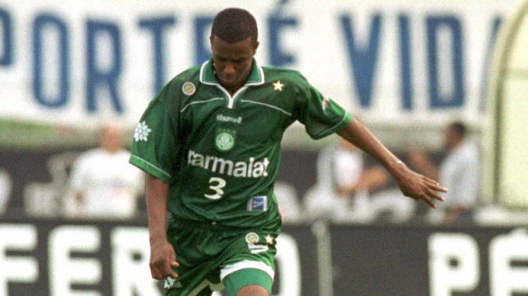 Roque Júnior: Após parar, trabalhou em alguns clubes como técnico ou dirigente.