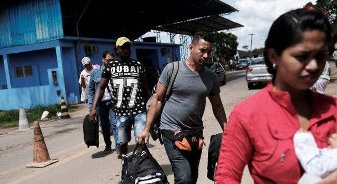 Fronteira em Pacaraima (RR) é aberta para livre entrada e saída
