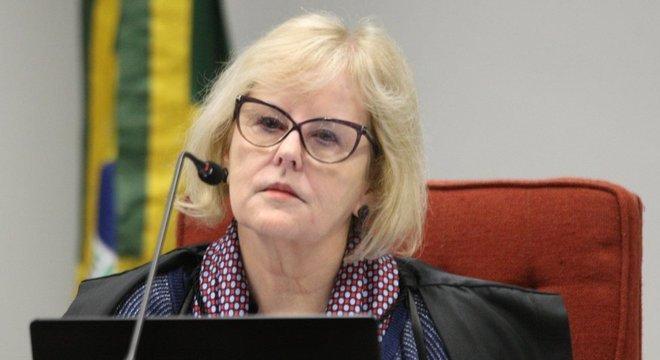 Presidente do TSE, Rosa Weber diz que caberia ao Congresso decidir sobre eventual adiamento das eleições