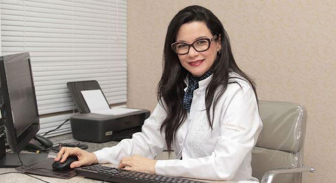 Rosana Chagas é dermatologista da clínica Real Derma