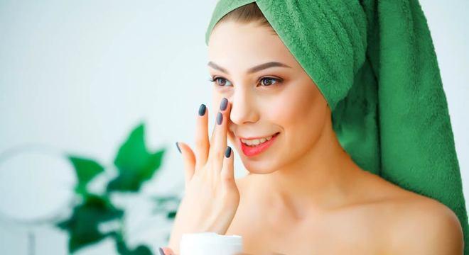 Rosto com espinha - os melhores tratamentos e dicas