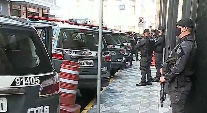 MP e PM fazem operação para prender integrantes de facção criminosa