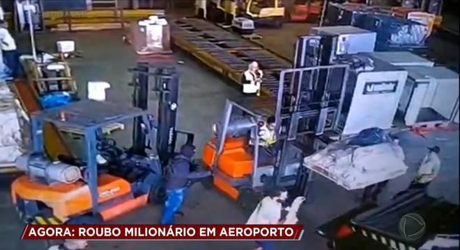 Grupo levou mais de 700 quilos de ouro de dentro do aeroporto de Guarulhos