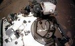 O Perseverance tirou uma 'selfie' para que os cientistas possam ver como estão os equipamentos na parte superior do robôSonda da Nasa encontra água no estado sólido em Marte