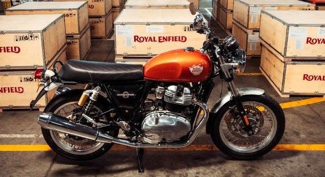 Royal Enfield chega em kits desmontados em unidade da Simpa, nos arredores de Buenos Aires