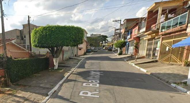 Trio abordou o policial militar na rua Baltazar de Azevedo, no Jardim Moreno
