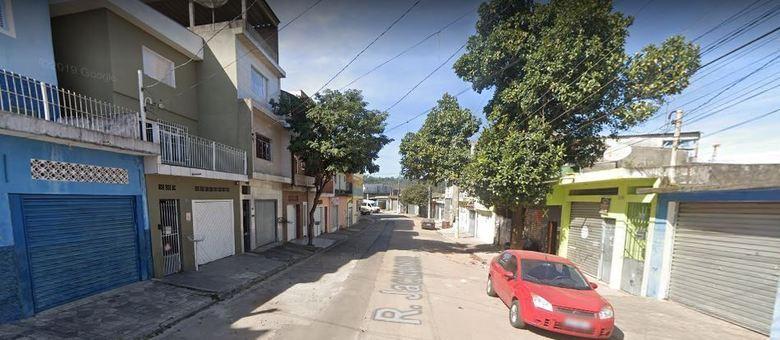 Assaltou deixou um morto e um ferido na rua Jacunaum