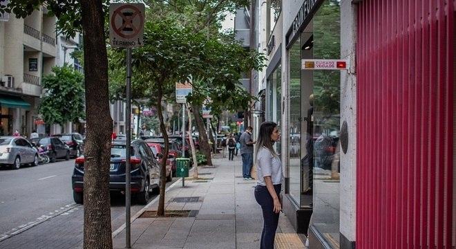 Rua Oscar Freire, centro de compras no Jardim Paulista