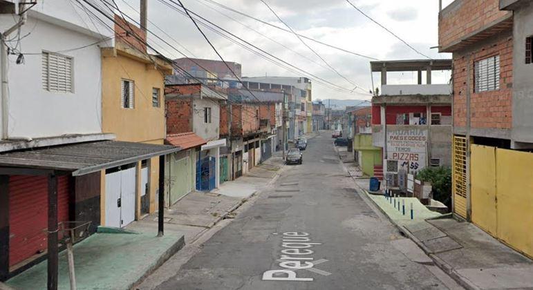 Briga aconteceu na rua Perequê, em Jandira (SP)