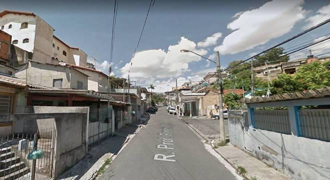 Chacina ocorreu na rua Professor Pereira Reis, na zona norte de São Paulo