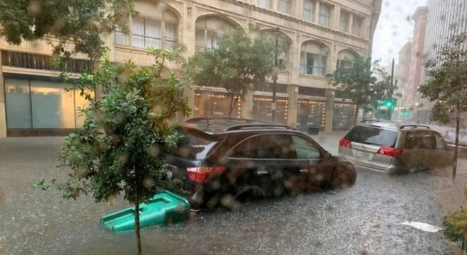 Chuvas fortes atingiram a Louisiana nos últimos dias antes da chegada de Barry