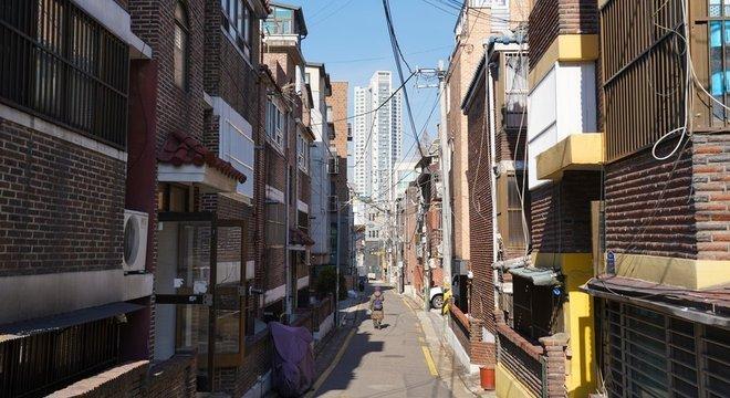 Na capital sul-coreana os altos preços dos alugéis refletem a busca por espaço numa metróple com enorme população