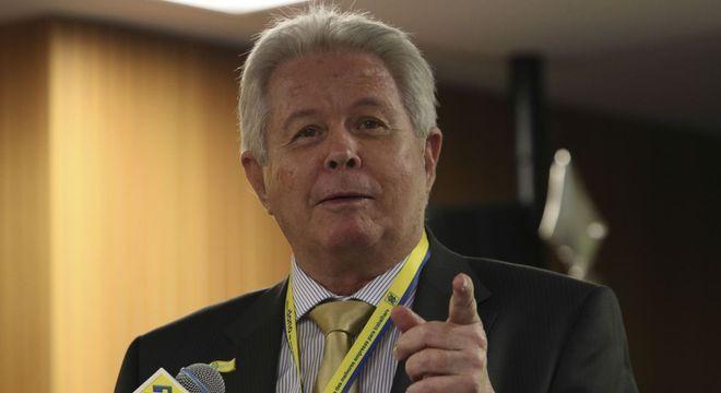 Na imagem, o presidente do Banco do Brasil, Rubem Novaes