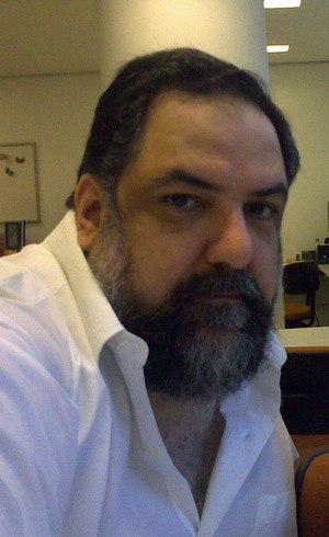 Baptista Jr. é professor na USP e na FGV