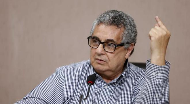 Rubens Lopes quer Globo transmitindo. Para não perder contrato de R$ 400 mi