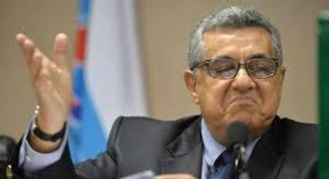 Presidente da Ferj articulava tirar Vasco e Macaé do Rio. Levar para Saquarema