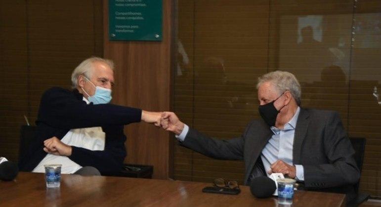 O empresário Rubens Menin (esq.) anunciou compra de 100% da Rádio Itatiaia