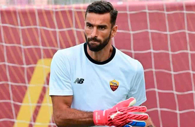 RUI PATRÍCIO: O goleiro da seleção portuguesa deixou o Wolverhampton, da Inglaterra, para fechar com a Roma. O português firmou contrato até junho de 2024