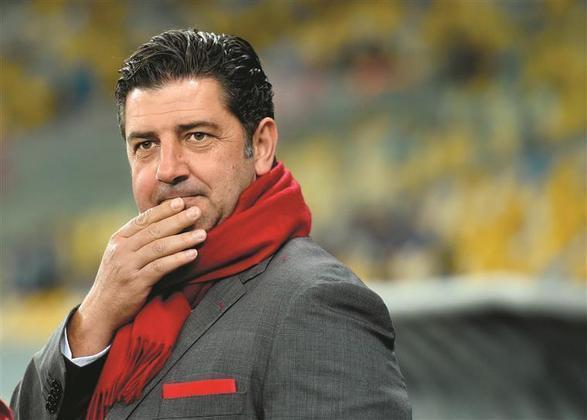 Rui Vitória - Especulado no Flamengo para o lugar de Rogério Ceni, o português está atualmente no Al Nassr, da Arábia Saudita, e tem no currículo dois títulos portugueses pelo Benfica