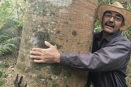 'Ruivaldo o Homem que Salvou a Terra' está na web