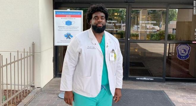 Ex-segurança, Russel Ledet é pediatra do Baton Rouge General Medical Center