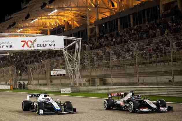 Russell segue sem somar pontos na F1.