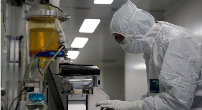 A Rússia diz que vai começar uma vacinação em massa em outubro