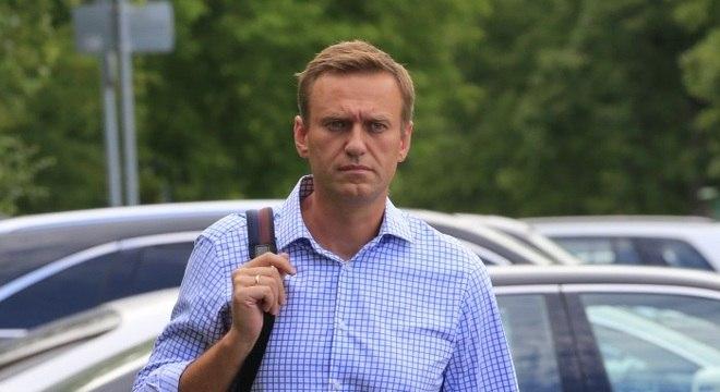 Líder da oposiçaõ russa, Alexey Navalny está em coma em um hospital na Sibéria