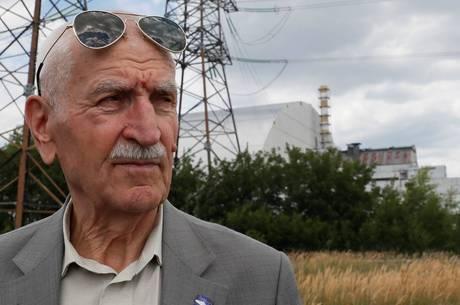 Piloto sobrevoou reator nuclear três vezes