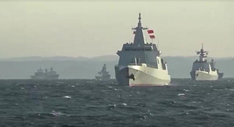 Navios de China e Rússia atravessaram um importante estreito no arquipélago japonês