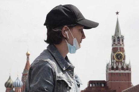 Rússia registra quase 9 mil casos de covid