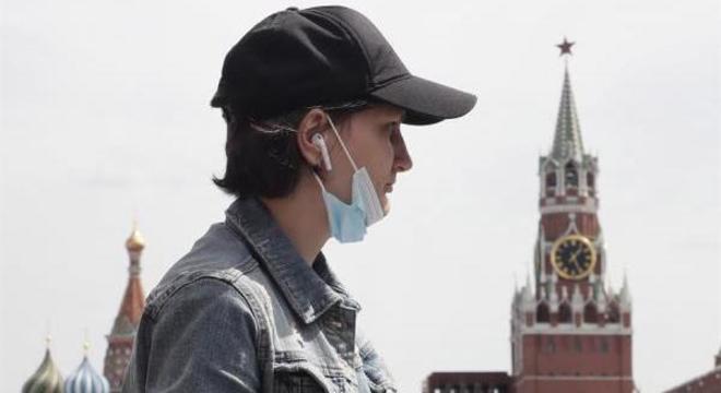 Rússia ultrapassa os 900.000 casos de coronavírus