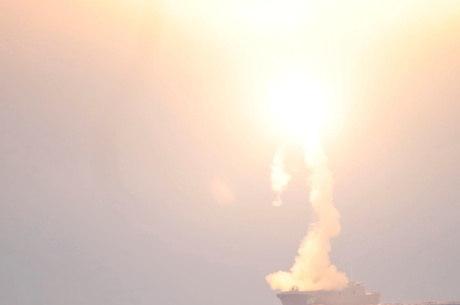Rússia testou míssil no aniversário de Putin