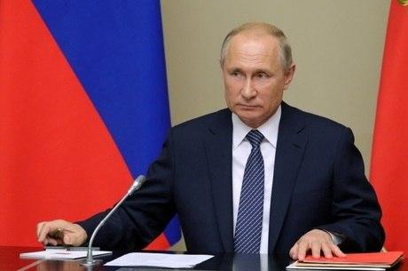 Putin quer controle sobre organizações não-governamentais
