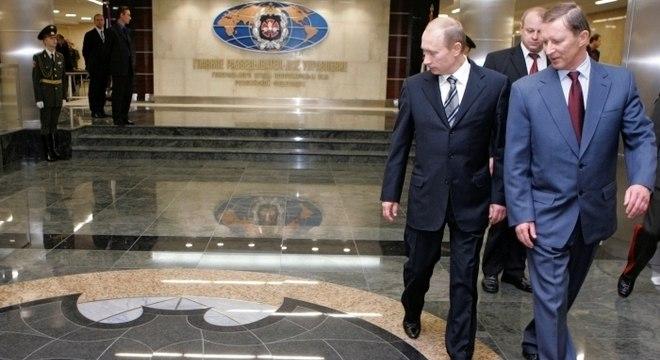 Presidente russo, Vladimir Putin, visita sede da agência de inteligência militar GRU